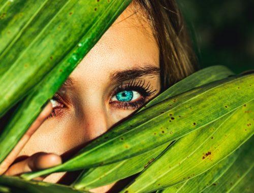 photo d'une femme dans la nature
